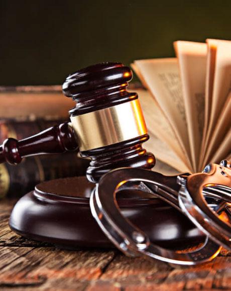 уголовный адвокат, судебный адвокат